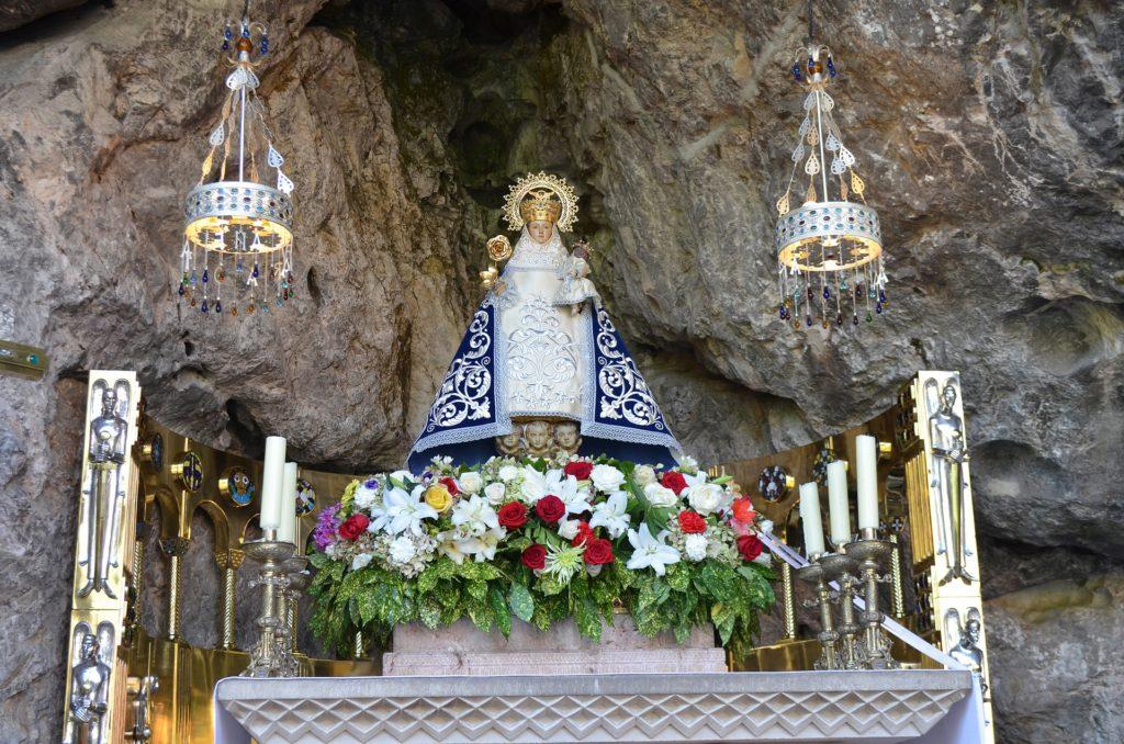 Santa Cueva Covadonga